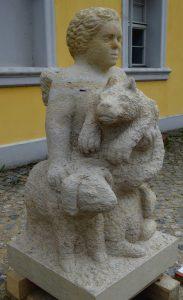 Figuurengruppe mit Wolf auf dem Arm vom Putto und 2 Lämmern