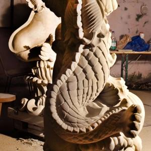 Barocke Figurengruppe, Delphin in Gesamtansicht