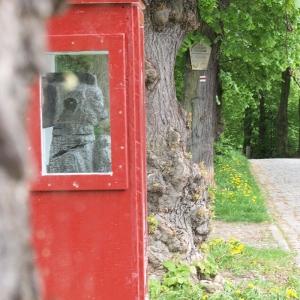 Skulptur von Gregor Wiest mit dem Namen Ud Ischum Ud