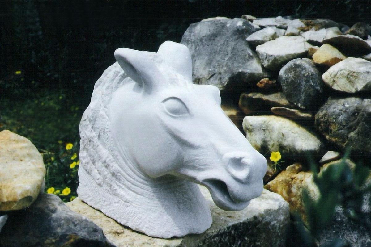Pferdekopf Skulptur aus Marmor