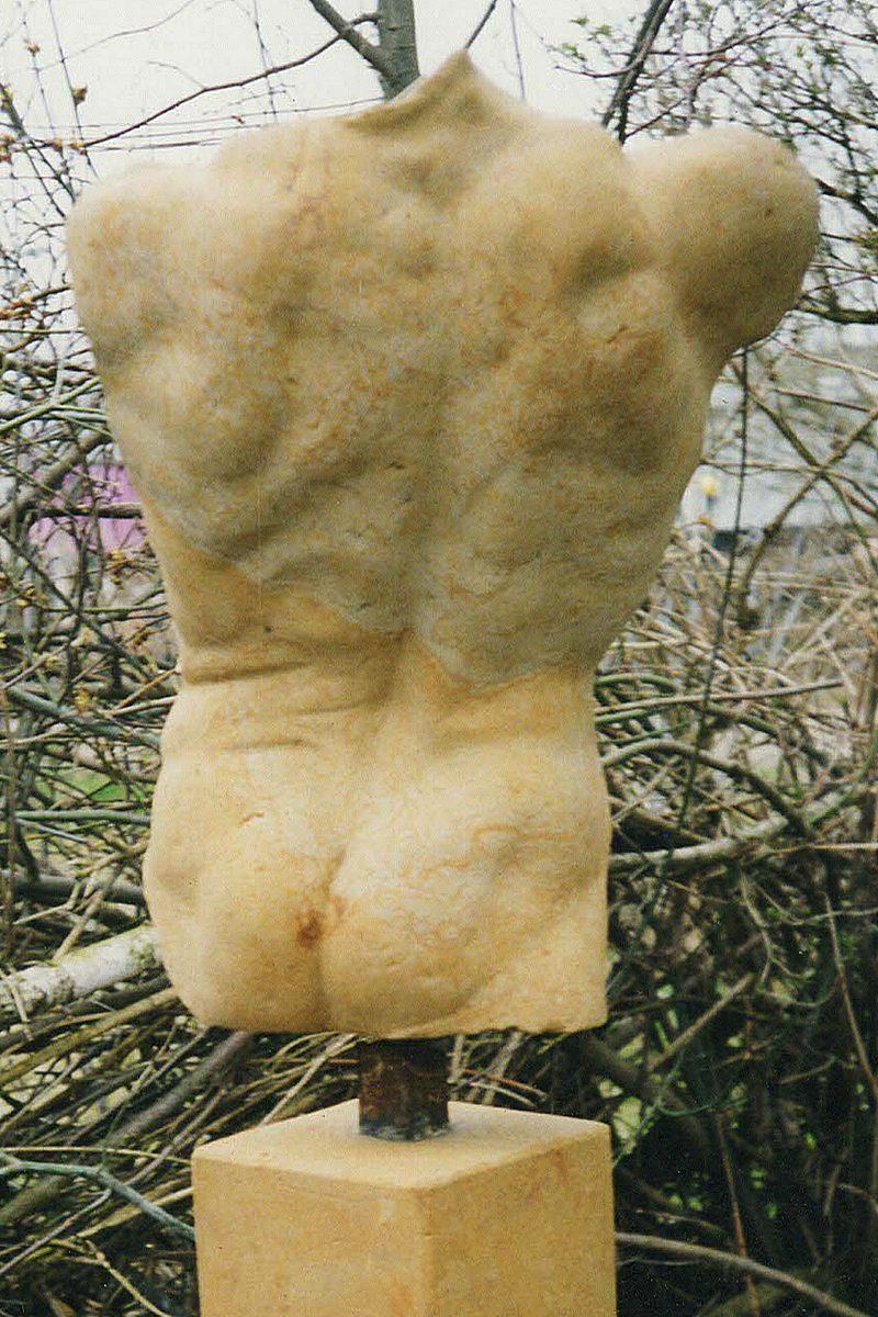 Torso männlicher Rückenakt 2005, Reinhardtsdorfer Sandstein, Kopie nach Modell